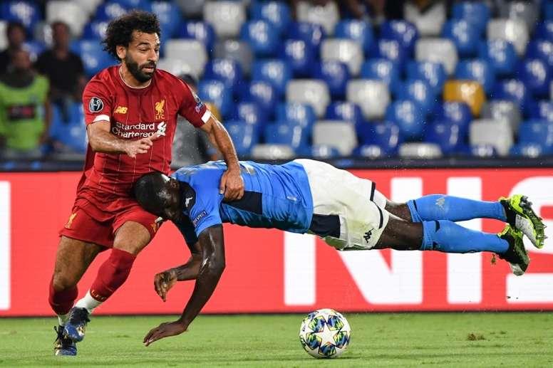 O zagueiro do Napoli é bastante cobiçado na Premier League. AFP