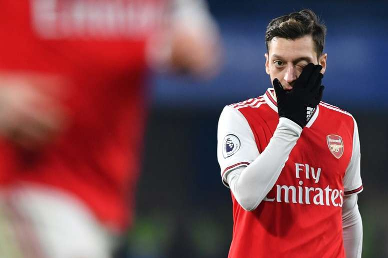 ¿Es una despedida? Özil elaboró el once ideal del Arsenal. AFP