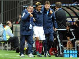 France Under-21s defender Jordan Amavi (C) leaves the field after being injured during the UEFA European Under-21 Championship qualifying football match against Northern Ireland on November 12, 2015 at the Roudourou stadium in Guingamp, France