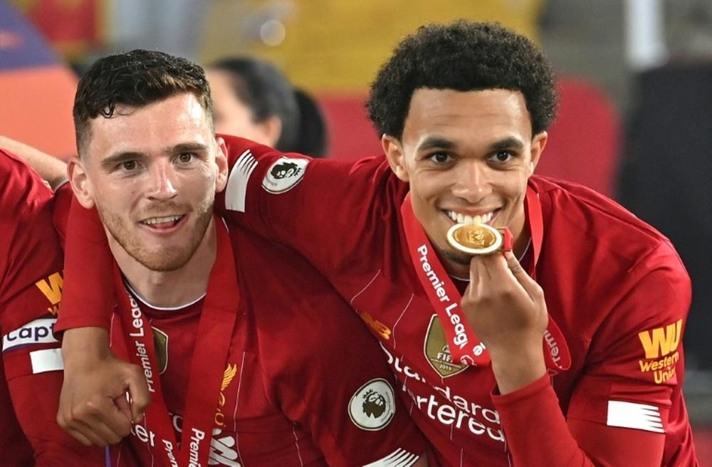 El Liverpool tiene en mente cerrar seis renovaciones más. AFP