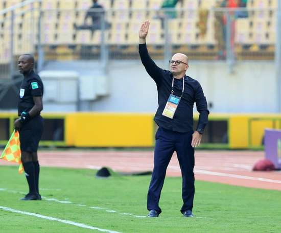 Mali, Cameroon qualify for next stage. AFP
