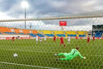 Bale se salió en la victoria de Gales y el Real Madrid lo siguió desde la distancia. AFP