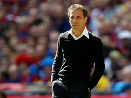 Gianfranco Zola has been sacked by Al-Arabi. BeSoccer