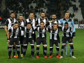 Paoks players pose for a team photo prior to the UEFA Europa League group C football match between PAOK and Qabala at the Toumpa Stadium in Thessaloniki on November 26, 2015