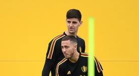 Hazard e Courtois, convocados para a Seleção Belga. AFP