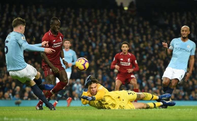 A última jornada da Premier League decide o campeão inglês. AFP