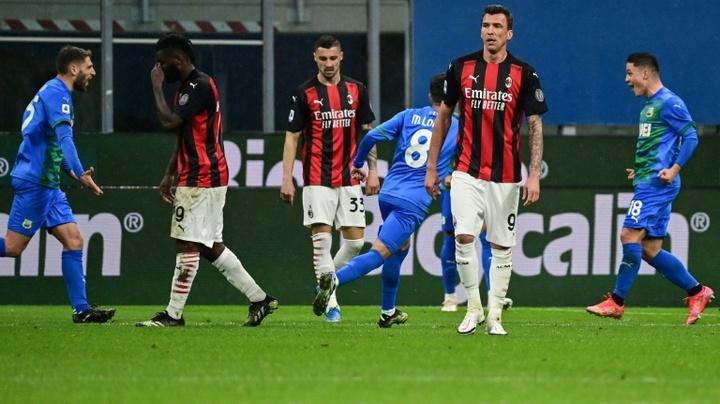 O Milan joga a toalha na briga pela Serie A. AFP
