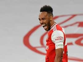 Aubameyang carrega o Arsenal até o título da FA Cup. AFP