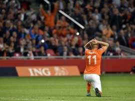 Holanda sigue sin levantar cabeza y pierde contra Grecia en casa. AFP
