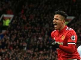 O United bateu o Swansea por 2-0. AFP