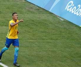 Brazils Neymar celebrates after scoring a penalty against Honduras on August 17, 2016