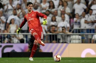 El ex del Chelsea dejó la portería a cero por primera vez en el Madrid. AFP