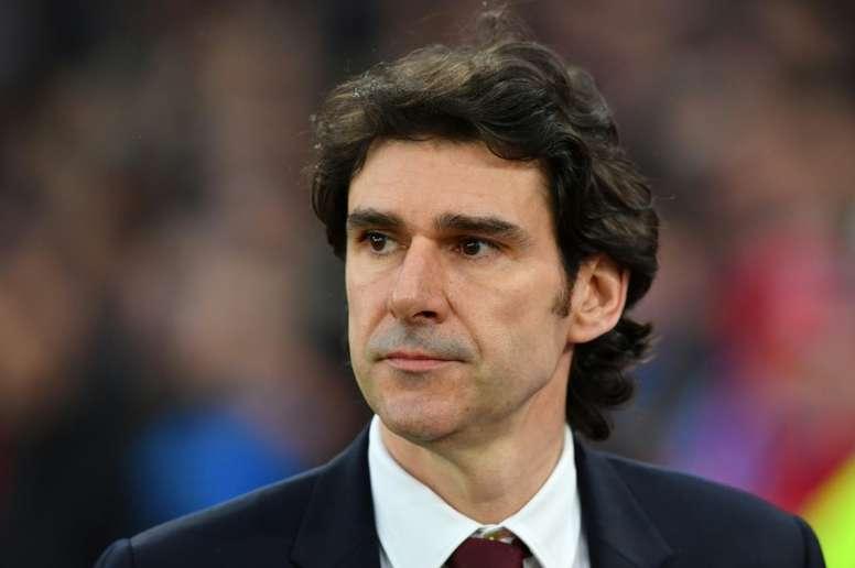El técnico deja al equipo en séptima posición. AFP