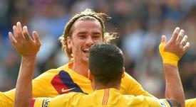 La derrota del Madrid hace líder al Barça. AFP