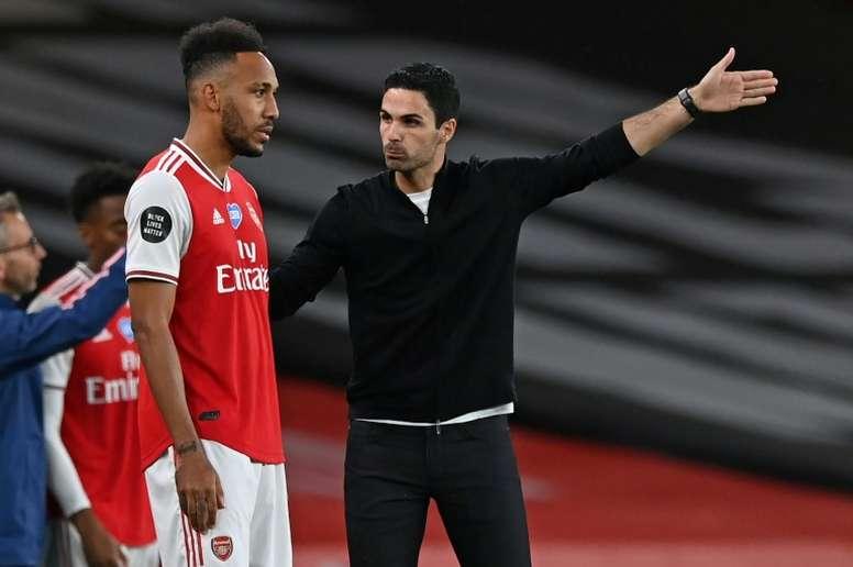 Aubameyang se quedó en el Arsenal. AFP