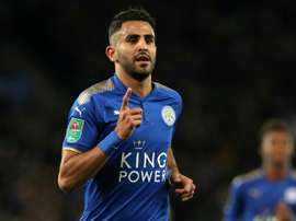 Mahrez marcó el primer tanto del Leicester. AFP