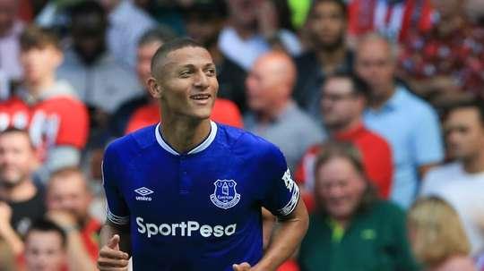 El Everton venció en la recta final. AFP
