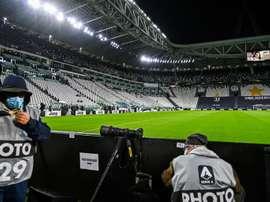 Itália volta a proibir a entrada de torcedores aos seus estádios. AFP
