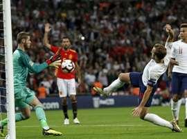 Kane estime qu'il n'y avait pas faute sur De Gea. AFP