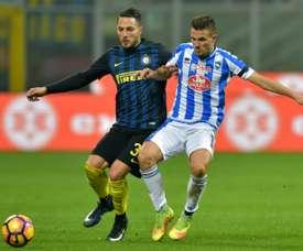 El futbolista italiano continuará como cedido en el Pescara hasta final de temporada. AFP