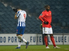 Taremi scores, gets sent-off as Porto and Benfica draw. AP