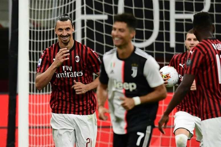 Ibra riu de Cristiano após marcar contra a Juventus. AFP