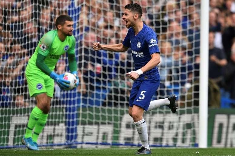 Jorginho ha pasado a ser el objetivo número uno de la Juve. AFP/Archivo