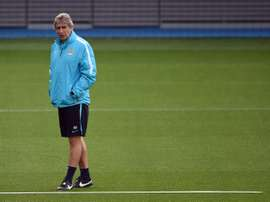 Manchester Citys Chilean manager Manuel Pellegrini takes part in a training session at the Manchester City Academy in Manchester, England on September 29, 2015 ahead of their UEFA Champions League Group D match against Borussia Monchengladbach