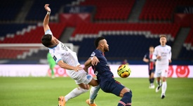 Neymar and Hiroki Sakai during the stormy September 13 clash in Paris. afp_en