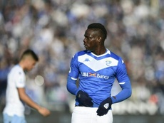 Balotelli receives quickfire red card after ref rant. AFP