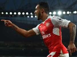 El solitario gol de Walcott clasificó al Arsenal. AFP