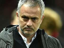 Técnico português, de 54 anos, foi duramente criticado por antigo adjunto de Van Gaal no United. AFP