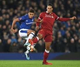Everton veut prolonger Holgate face à l'intérêt de City. AFP