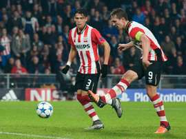 Luuk De Jong cerró la goleada del PSV ante el NEC Nijmegen. AFP