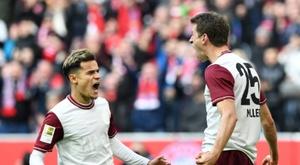 Em dia de festa, Bayern se consolida na liderança. AFP