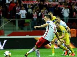 'Lewa' voltou a marcar pela Polônia. LaAfición