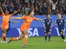 Martens penalty breaks Japan hearts as Netherlands reach World Cup quarters