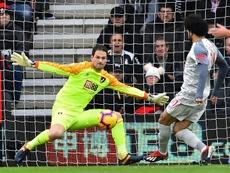 Bournemouth keeper Begovic replaces Reina at AC Milan. AFP