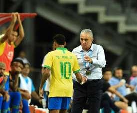 Neymar ficará um mês sem jogar. AFP
