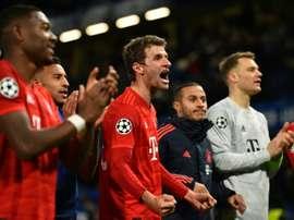 Plus d'autographes et de selfies pour les joueurs du Bayern. AFP