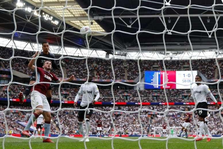 El Aston Villa confía en seguir contando con McGinn. AFP