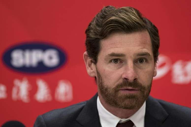O treinador português está disponível no mercado. AFP