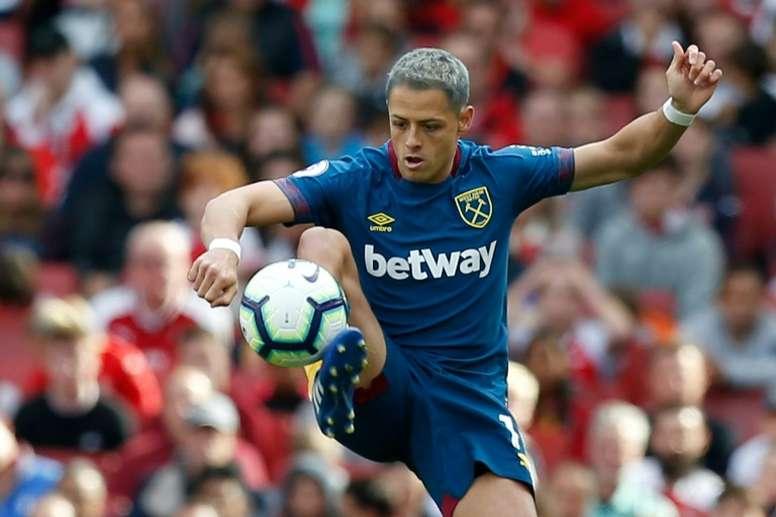 Chicharito no descarta marcharse del West Ham en enero. AFP/Archivo