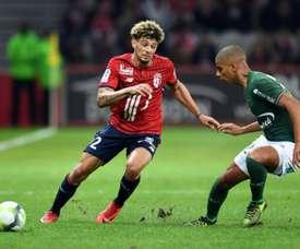 El lateral francés ya habría firmado con el Nápoles. AFP