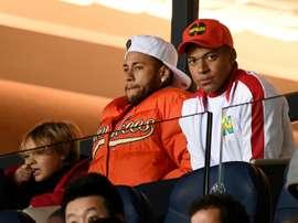 El PSG decide: cornada a Neymar, mimos a Mbappé. AFP