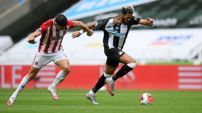 El Newcastle rentabiliza los errores del Sheffield United. AFP