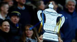 No hay club en Inglaterra (y Gales) que no sueñe con ganar la FA Cup. AFP/Archivo