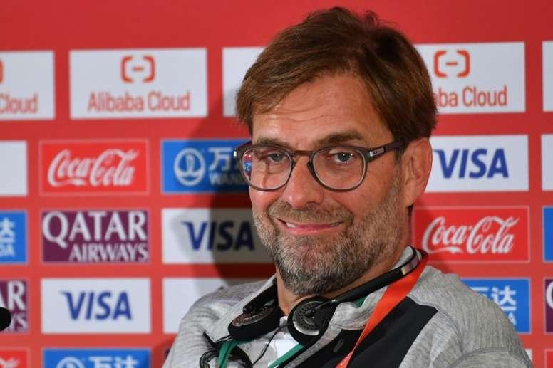 Ceferin, con el Liverpool. AFP