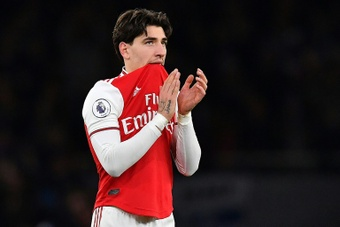 Arsenal want to make sure Inter keep Bellerin after the loan deal. AFP