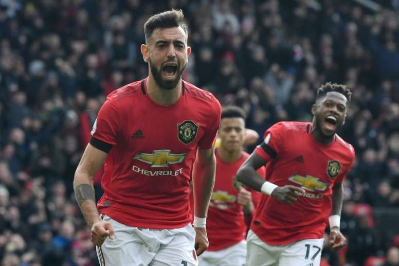 Bruno Fernandes (L) shone in Man United's victory over Watford. AFP